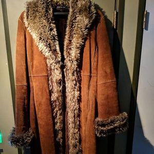 Leather coat w/Faux fur
